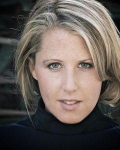Jennifer Buonantony headshot 4